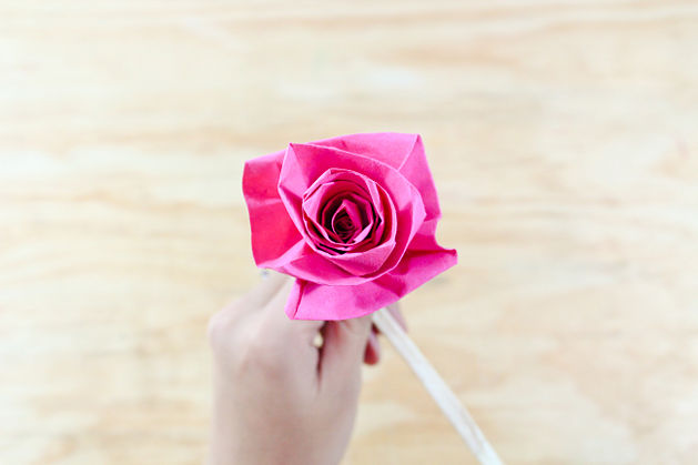How to make paper roses tutorial