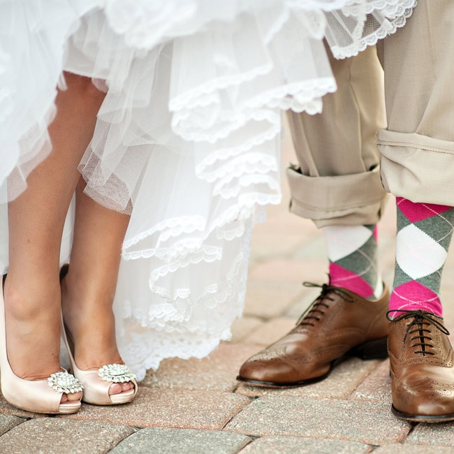 Must Have wedding photos: couple's shoes photoshot