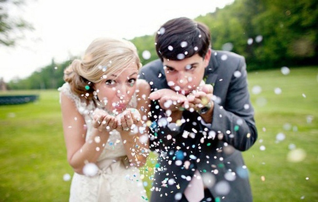 Photo must have: Enchanted confetti couple pose