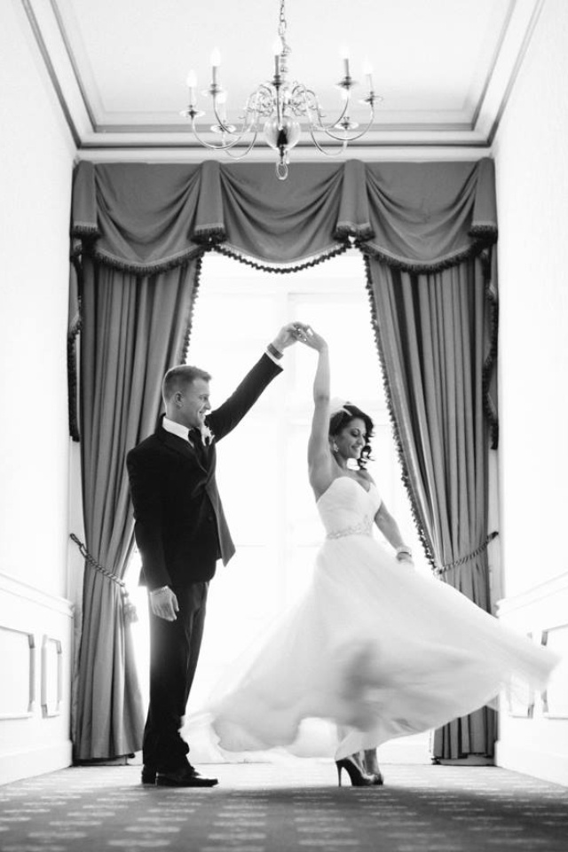 Must have wedding photos- twirling bride