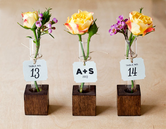 DIY Vase flower favors and escort card tutorial