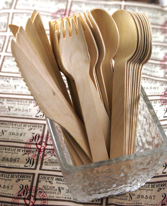 disposable wooden flatware with custom message kraft labels for a rustic theme wedding