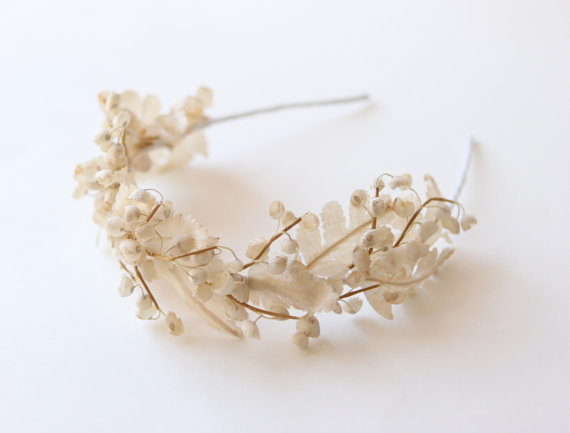 This beautiful whimsical theme hair crown would look amazing with a braided hair-do or some long curls! Loving the combination of the vintage ivory leaves and tiny flowers...