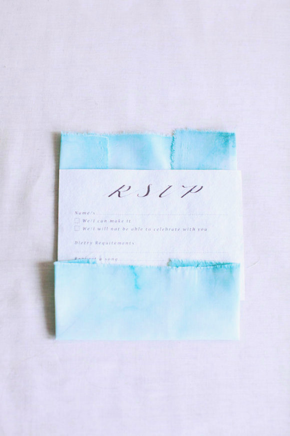 Loving this week's DIY! Beautiful and delicate fabric stationery dipped in watercolor... the quality of this handmade piece is stunning! Each and every piece of fabric will be unique and don't forget to appreciate the art in imperfections! Good luck!