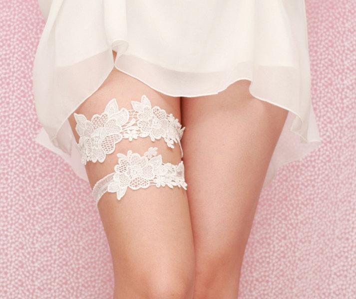 Handmade artsy vintage bridal wedding garter from etsy