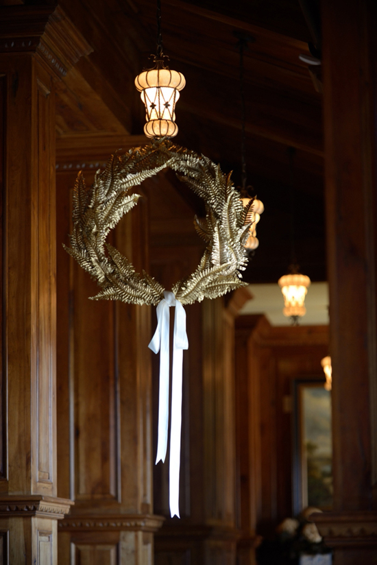 Romantic-Gold-and-White-Wedding-Ideas-diy-fern-wreath-handmade