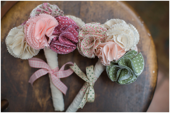 Looking for a not-so-typical bouquet or a cute unique centerpiece? This awesome tutorial teaches you how to create cute fabric posies and to arrange them into a small bouquet! This is great because you can choose and use fabrics that would suit your wedding theme. Pin it!  Tutorial here!