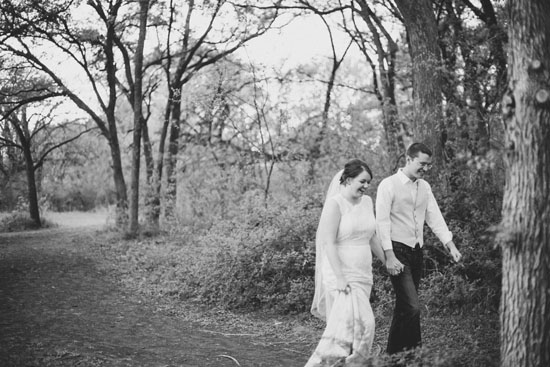 intimate-outdoor-rustic-elopement-style-wedding-11
