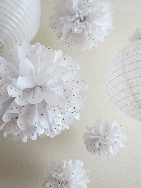wedding-favorites-paper-polka-dots-pom-poms-decoration