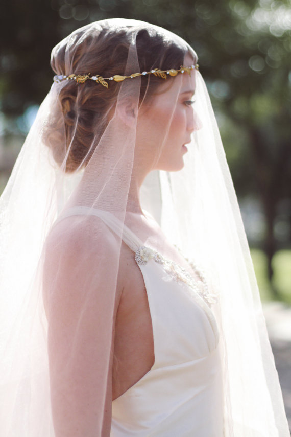 wedding-favorites-fraxinelle-tiny-brass-leaves-feathers-halo-headpiece-crown